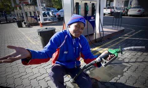 South Africa's petrol attendants: How much do they really